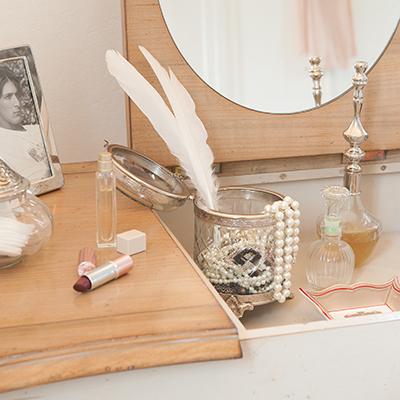 domicil fontainebleau. Black Bedroom Furniture Sets. Home Design Ideas